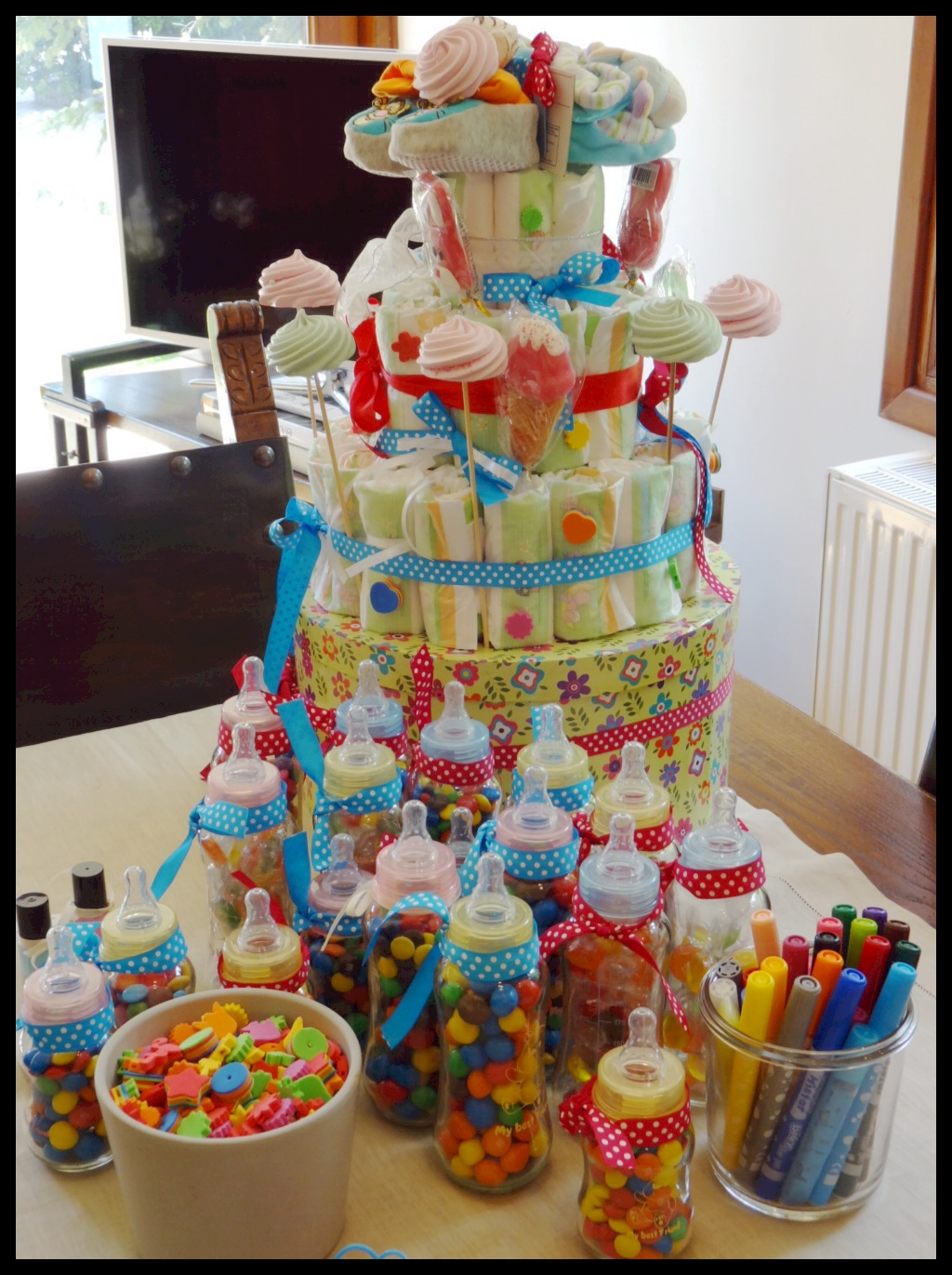 do it yourself party decorations diaper cake yoggi 39 s way